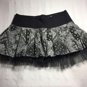 Pleated mini skirt black lace netting S goth punk